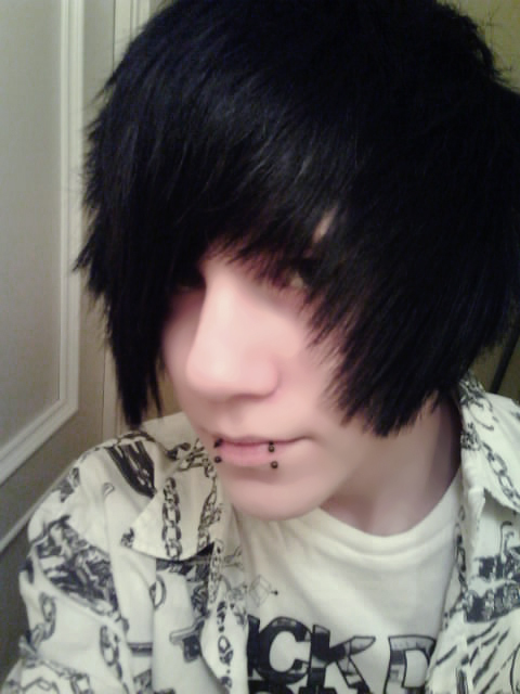 cool hairstyles for curly hair : ... netBoy Hair Cool Boy Hairstyles And Emo Hairstyles Emo Crowd Pictures